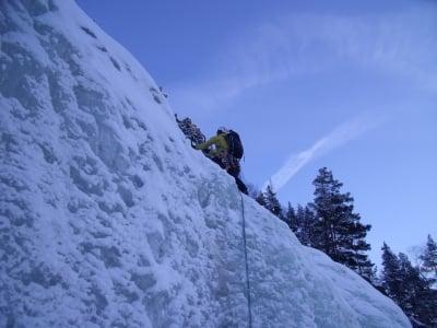 Tjønnstadbergfossen - Ice climbing Normway